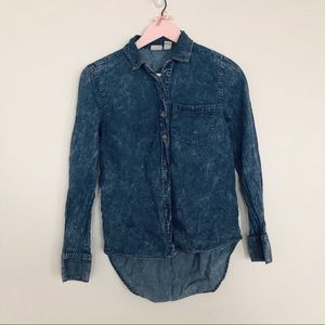 Acid wash chambray button-up